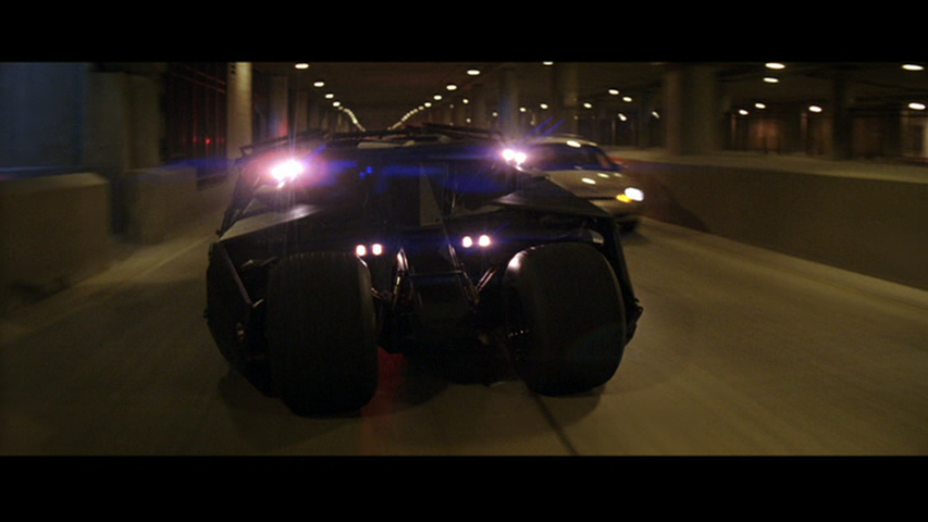 batman-begins-the-tumbler (1)