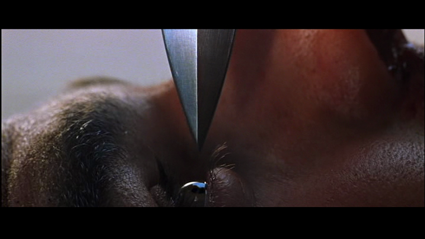 Mission-Impossible-II-Ethan-Hunt-Tom-Cruise-knife-eye
